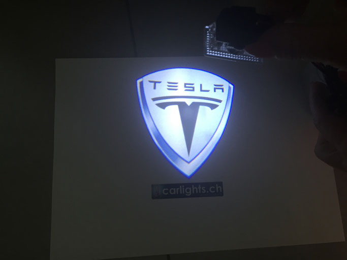 TESLA LED LOGO BEAMER MODEL S UND X CARLIGHTS.CH