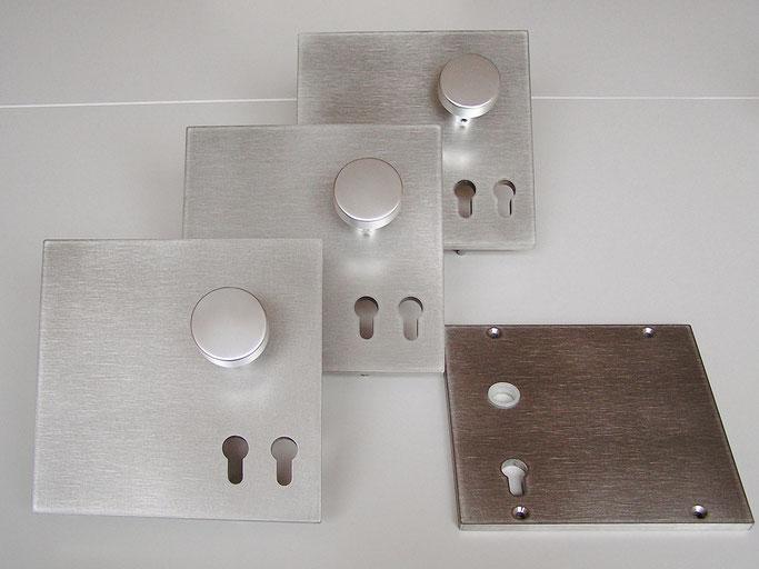 Drückergarnitur mit Doppelschlüssel und grosser Grundplatte