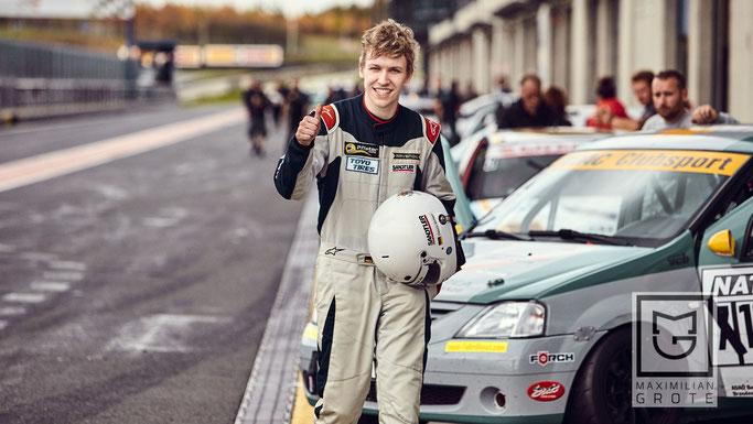 Chevrolet Cruze Eurocup Champion 2019 Dennis Bröker Rennfahrer aus Bad Salzuflen Internetseite Instagram Facebook You Tube Wikipedia