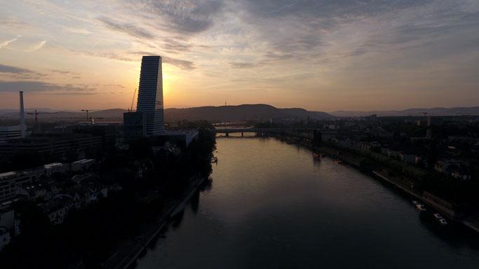 Basel, Roche Turm, Roche, Rhein, Birsfelden, Schifffahrt, Warteck