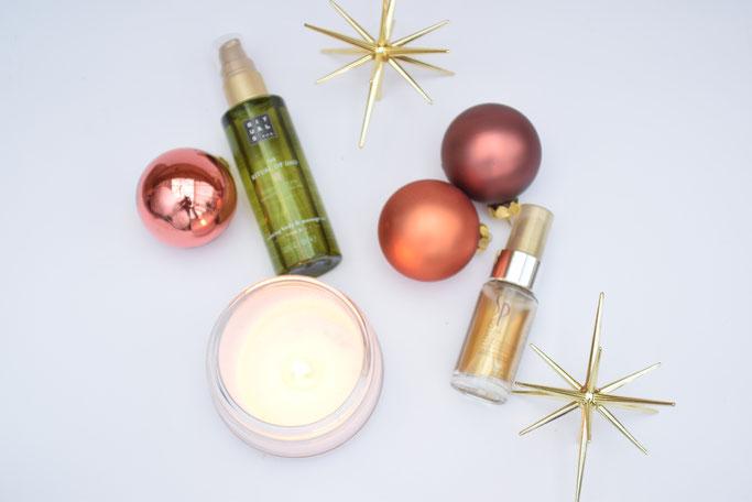 Winterliche Pflege: Die besten Entspannungstricks in der Vorweihnachtszeit, wie mit tollen Ölen für Haut und Haar.