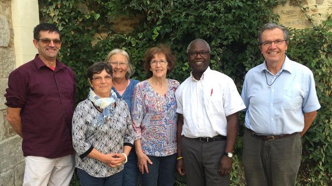 De gauche à droite, Gérard Chivard, Marie-Françoise Chevalier, Cécile Gagez, Geneviève Dectot, Babaki Badonte, P. Loïc, Babaki Badonte, P. Loïc.