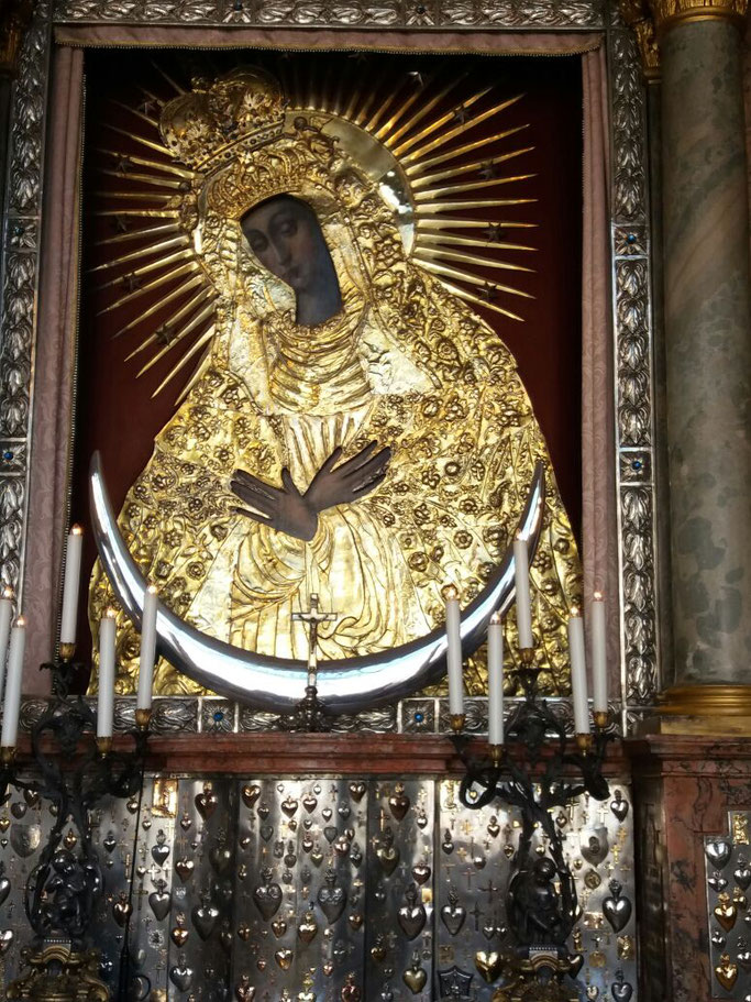 Hier noch wie gewünscht ein Bild der Madonna von Vilnius