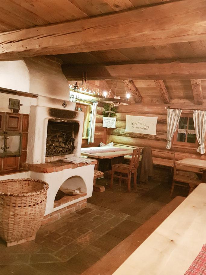 Urige Grillhütte mit Dachboden
