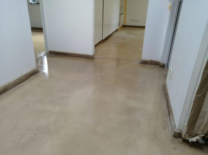 LEOSTEEN, Badgestaltung, Fussboden, Steinboden, Naturprodukte, Wohnungssanierung, beton cire, betonboden, fugenlos,Nachhaltig, betonbad, betonbeschichtung, betonboden, betoncire, betonboden, betoncirenatur, betondusche, betoneffekt, betonküche, beton