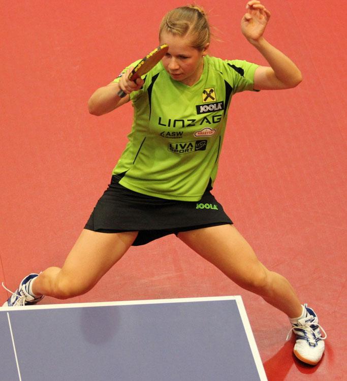 Lena Promberger Tischtennisspielerin  B-Team LINZ AG Froschberg