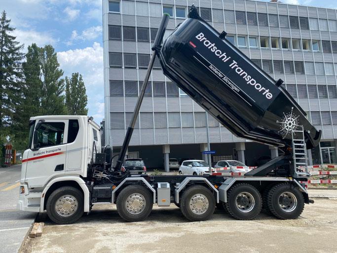 Seit Ende Juli 2020 im Einsatz: Scania R 500 Wechselsystem Kipper/Silowagen somit verfügen wir neu über 3 eigene isolierte Silowagen für Belagstransporte