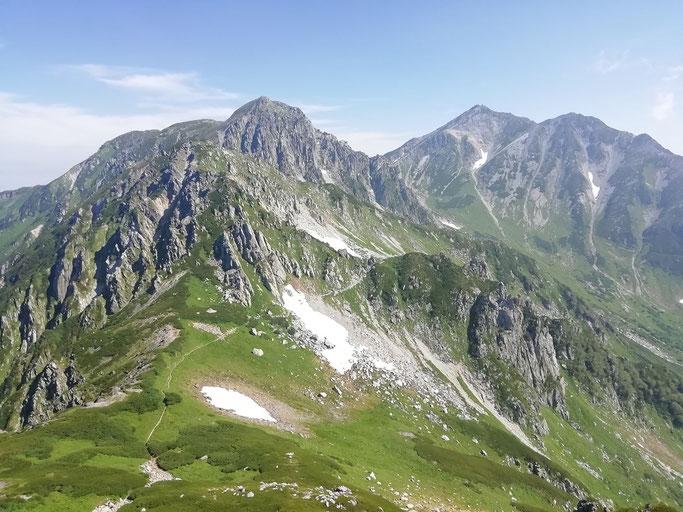 鬼岳から龍王岳と立山を望む