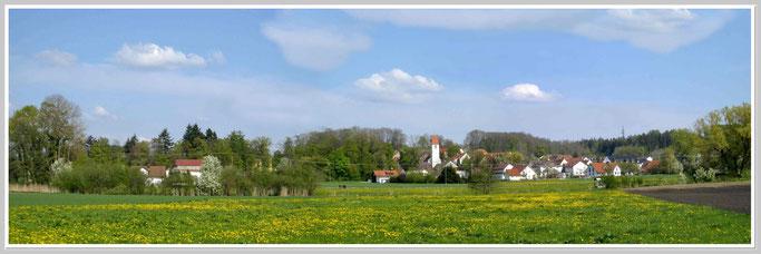 Obenhausen: Blick von Westen nach Osten.      Zum vergrössern bitte ins Bild klicken.