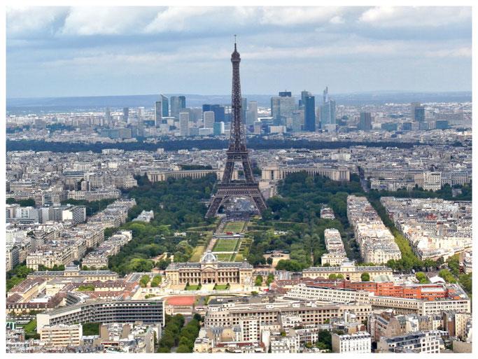 Blick auf Eiffelturm vom Montparnasse Tower