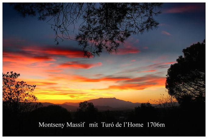 Blick von Blanes auf Tordera und Gebirgszug Montseny