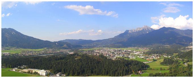 Panorama Reutte in Tirol im Lechtal.