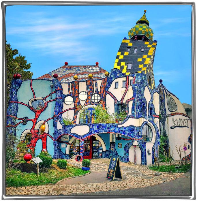 Hundertwasser Kunsthaus auf dem Kuchelsbauers Bierweltgelände in Abensberg