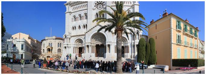 Kathedrale Notre-Dame-Immaculée. Grabstätte von Fürst Rainier III. und Fürstin Gracia Patric