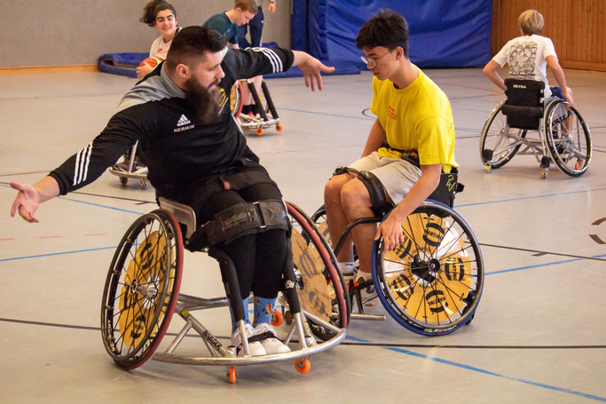 Alexander from Helmond enjoyed the wheelchair basketball training