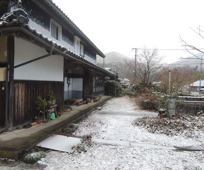 2017年、初雪の千屋アウトドアハウス