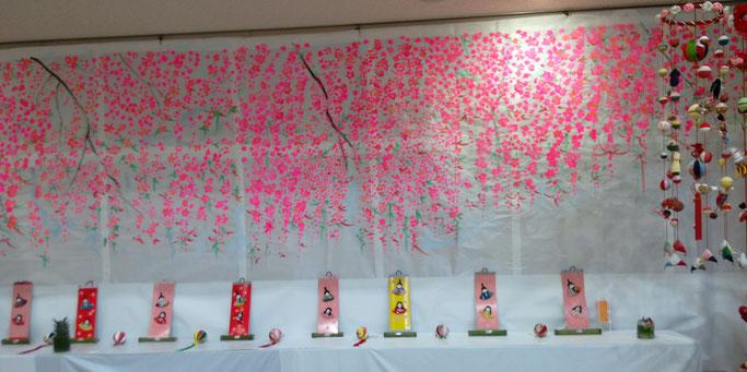 哲西きらめきひな祭り会場の入口、手描きの花の絵!横5mくらい。。。すごい!