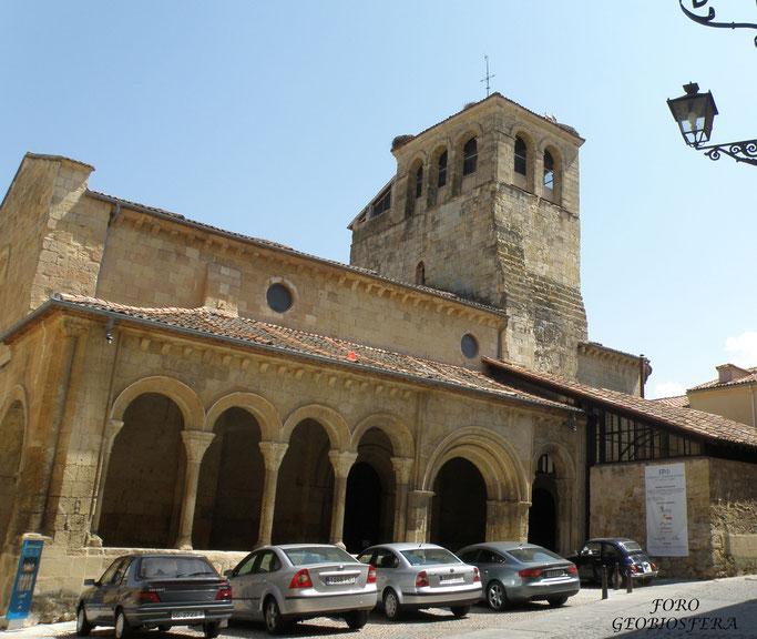 Iglesia de la santísima Trinidad antes de las obras de rehabilitación. (Foto: F. Javier Saez Frayssinet)