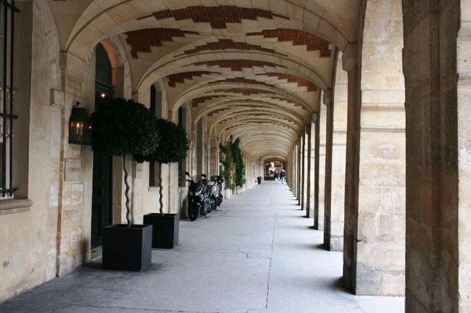 Place des Vosges Arkaden