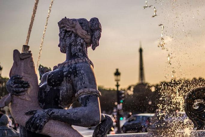 Place de la Concorde Brunnen und Eiffelturm