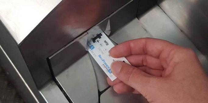 Metro Paris Tickets entwerten