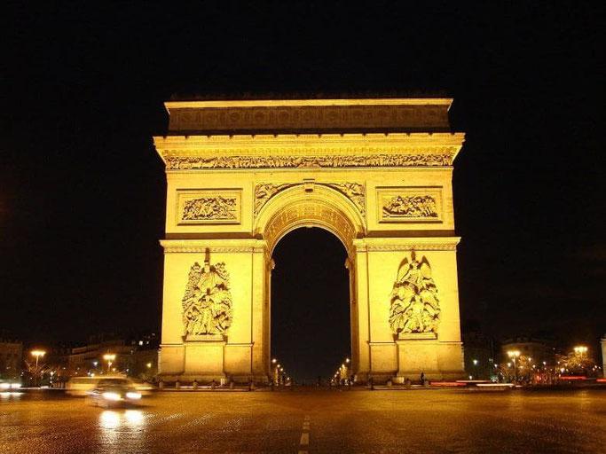 Triumphbogen Paris bei Nacht
