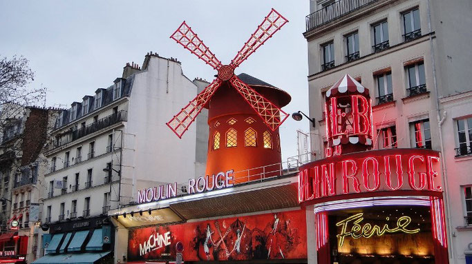 Moulin Rouge Montmartre Rundgang