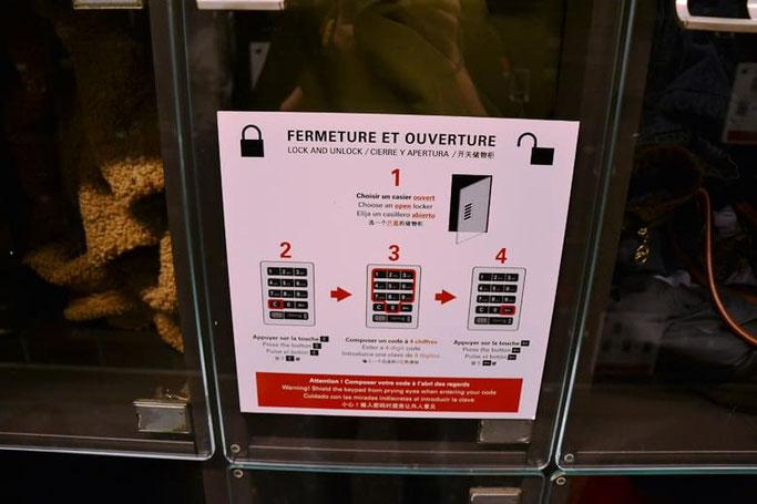 Wie funktionieren die Schließfächer im Louvre?
