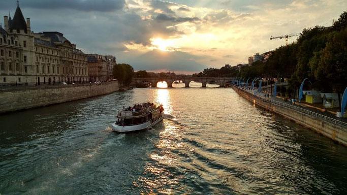 Bootsfahrt Paris bei Nacht