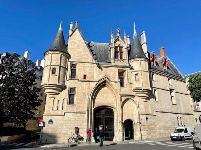 Hotel de Sens Marais Paris