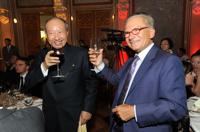 Dr. Zanger mit Mr Cheng Feng, Vorsitzender der Hainan Airlines Group