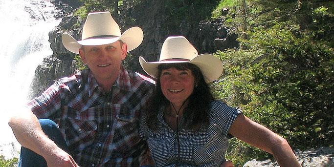 Vos hôtes de Ranch Bignaou vous souhaitent le bienvenue. Your hosts welcome you at Ranch Bignaou. Ihre Gastgeber heißen Sie bei Ranch Bignaou willkommen.