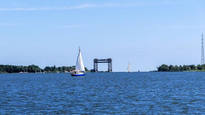 Hubbrücke Karnin und Yachthafen