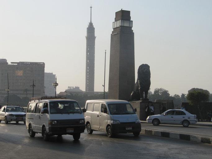 Nilbrücke zwischen Tahrir-Platz und der Nilinsel Zamalek