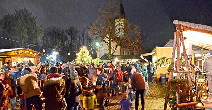 Pielweichser Dorfweihnacht 2017                                                                      Quelle: Plattlinger Zeitung
