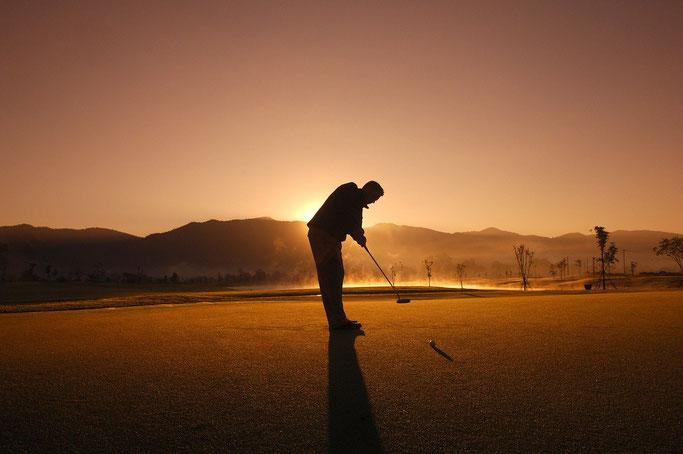 Was verdient ein Golf Manager in Deutschland ? Bayern berlin hessen niedersachsen saarland hamburg