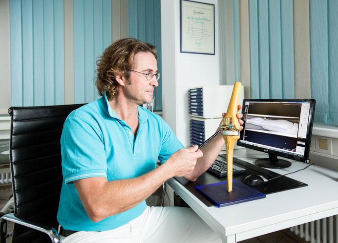 Behandlung der Kniearthrose, Dr. med Ralf Ullmann, Orthopädie München Neuhausen