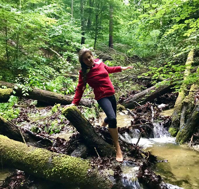 Jeanne Surmont - Barefoot hiking