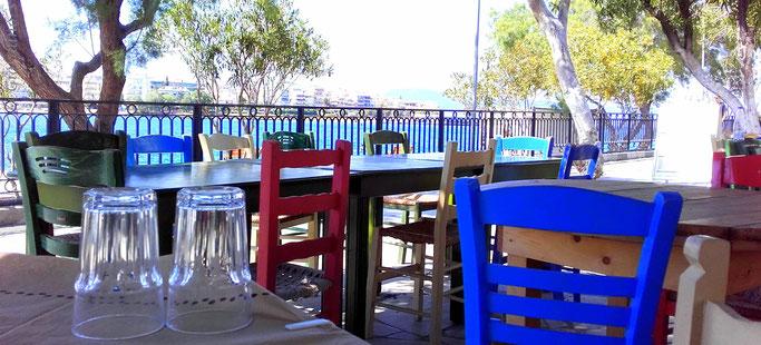 Taverne an der Strandpromenade in Chalkida