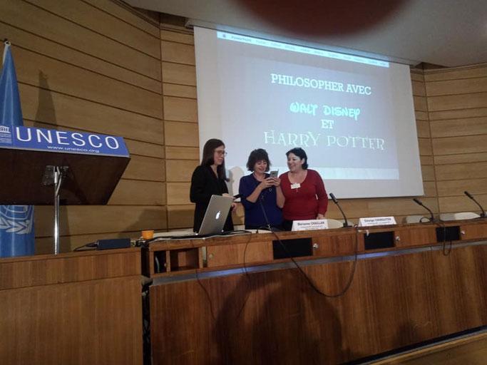 Marianne Chaillan, Edwige Chirouter, notre marraine et Myriam Mekouar à l'UNESCO à Paris durant les 17e Rencontres Internationales des Nouvelles Pratiques Philosophiques les 15 et 16 novembre 2018