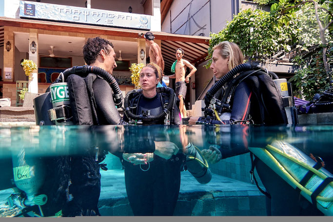 Scuba Diving Jobs Explained Salaries Hours And How To Get