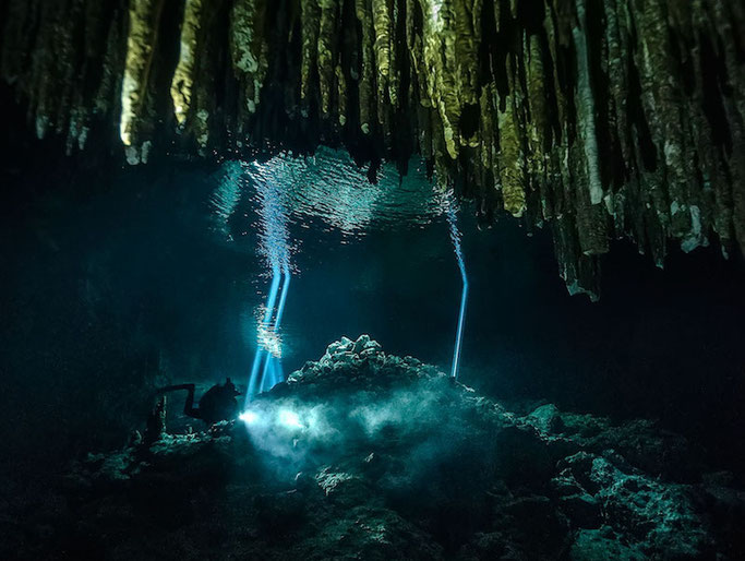 scuba dive the cenotes