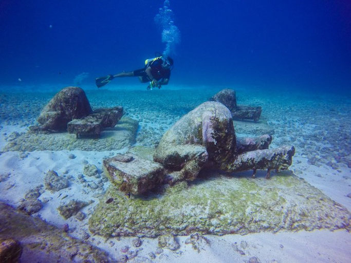 Scuba diving in Yucatán - where, how, Cenotes or ocean ... on map of italy, map of merida, map of mexico, map of veracruz, map of costa rica, map of celestun, map of hadramawt, map of quintana roo, map of caribbean, map of mahahual, map of punta allen, map of vegas beach, map of taxco, map of patzcuaro, map of isla mujeres, map of pacific lowlands, map of riviera maya, map of belize, map of cancun, map of playa del carmen attractions,