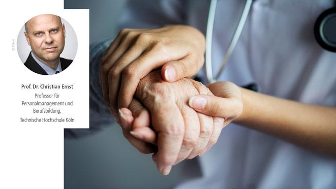 In zwei Artikeln hat Prof. Dr. Christian Ernst die Personalbeschaffung im Pflegebereich beleuchtet:
