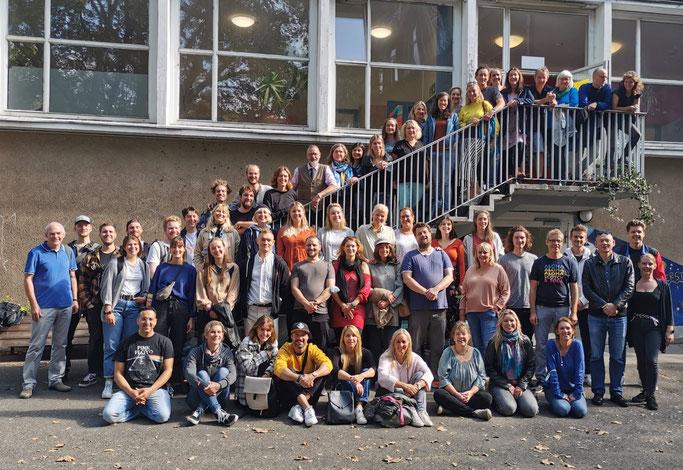 Unser Team aus LehrerInnen, SchulbegleiterInnen und MitarbeiterInnen  //  Herbst 2019