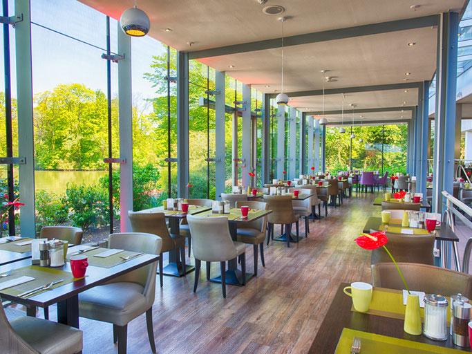 Im Restaurant mit Wintergarten lassen sich genüssliche Pausen einlegen. Auch ideal für die Abendveranstaltung GET-TOGETHER!