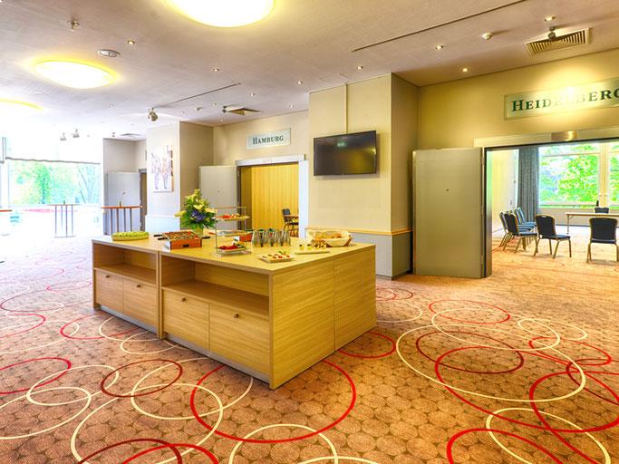 Im Foyer des Tagungsbereichs, sowie in angrenzenden Räumen ist genug Platz für unser INDUSTRIE-Forum