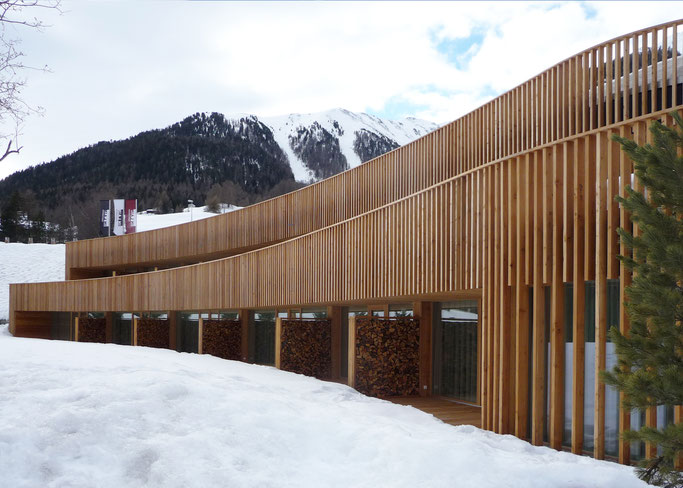 Salzgeber Holzbau S-chanf | Salzgeber Marangun S-chanf | Holzbau | Marangun | Fassade | Holzfassade | Neubau | Elementbau | Lamellen