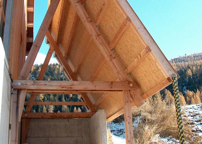 Salzgeber Holzbau S-chanf | Salzgeber Marangun S-chanf | Holzbau | Marangun | Remise | Holzremise | Holzdach