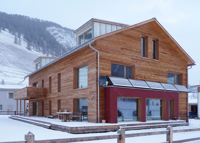 Salzgeber Holzbau S-chanf | Salzgeber Marangun S-chanf | Holzbau | Marangun | Fassade | Holzfassade | Lamellen | Holzhaus | Neubau | Elementbau